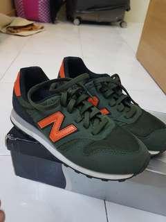 New Balance 373 size US5