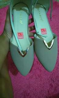 Sepatu balet coklat tali