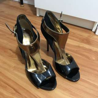 Guess Leather/Suede Heels Size 8