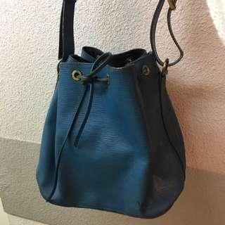 LV Petit Noé Épi vintage handbag 藍色 小手袋 水桶袋 60%新 肩帶邊有使用痕跡