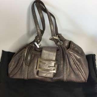 真品 Auth Fendi silver logo bag 偏深銀色真皮手袋