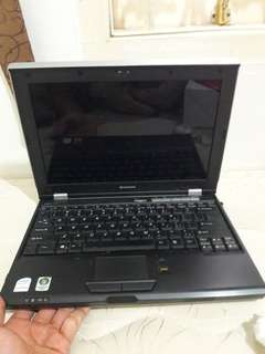 Laptop Lenovo (rusak)