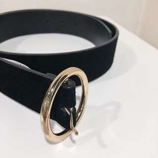 Forever 21 suede belt with gold round buckle