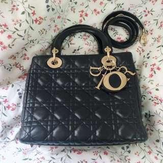 Lady Dior 5格 手袋 black handbag not hermes Chanel LV Celine Loewe