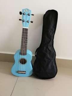 Ukulele Light Blue come with holder bag