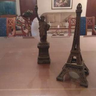 Miniatur Menara Eifel dan Patung Liberty