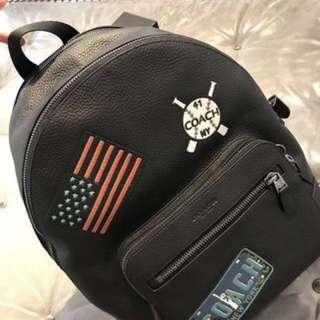 Coach F23251 黑色徽章雙層格拉鍊大背包(新款)