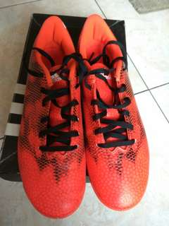 Prelove Sepatu Futsal Adidas F5 Original size 8/41 warna Solar Red