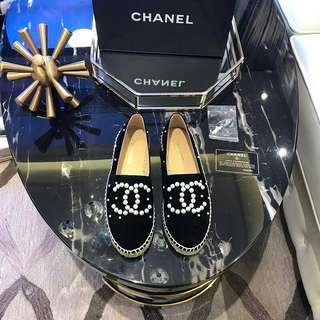 Sepatu mirror