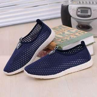 Sepatu Slip On Mesh Kasual Pria Size 39 - Dark Blue