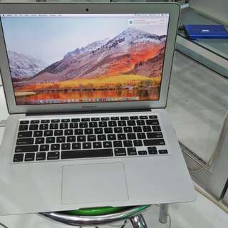 Macbook Air (13-inch , Early 2014) / i5 / Ram 4GB SSD 128GB