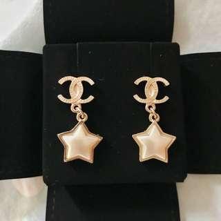 Chanel 金色星星耳環⭐️