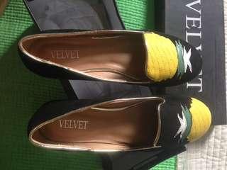 Sepatu velvet new ori