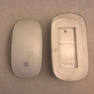 Apple Magic Mouse 1st gen