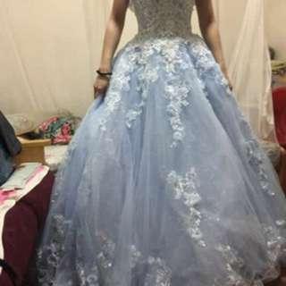 粉藍色一字肩新娘晚裝