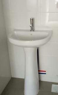 Toilet Basin and shower mixer set