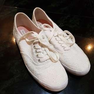 Sepatu Sneakers American Eagle