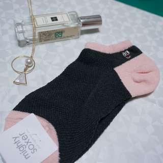 日本福袋 黑x粉雙色短襪