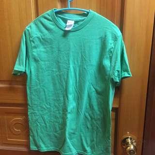 🚚 Gildan 綠色 T恤 素踢
