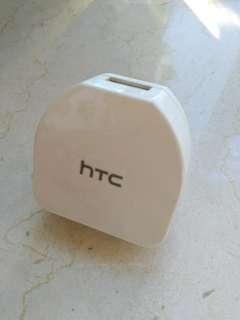HTC 充電器