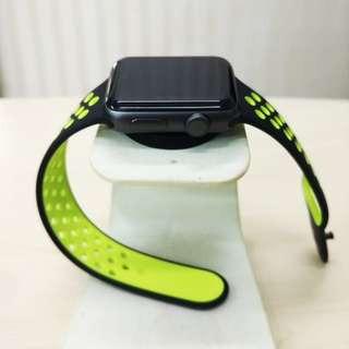 Apple Watch Series 2 NIKE+ BlackVOLT!!Like New