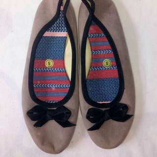 Brown flats with ribbon detail