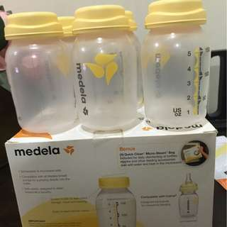 New in Box Medela Breastmilk Collection 6 Storage Bottles