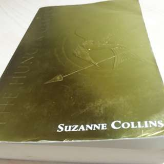 Gold Hunger Games Book (Suzanne Collins)