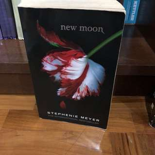 New Moon - Stephenie Meyer