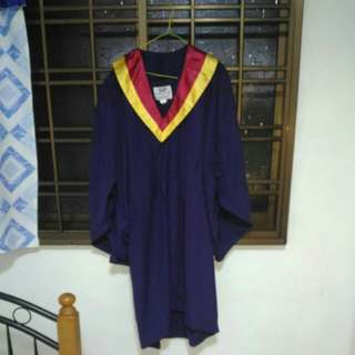 NYP Graduation Gown size M