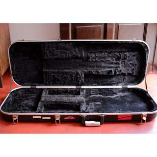 SKB electric guitar hardshell case / hardcase