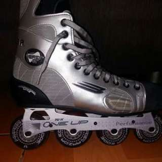 Vapor agility roller blades w/ knee pads