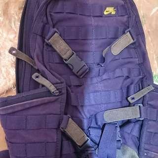 Nike sb backpack 紫色