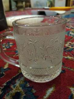 Single decorative glass mug