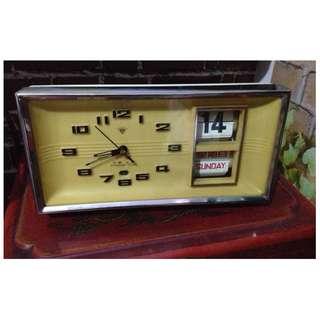 懷舊早期自動翻頁星期日曆機械桌鬧鐘
