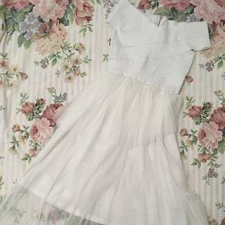 Mesh tops offshoulder dress