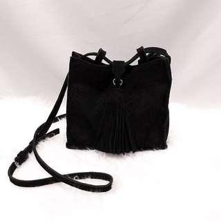 黑色麂皮蛇紋大流蘇小包
