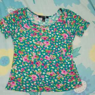 FOREVER 21 FLORAL PRINT TEE