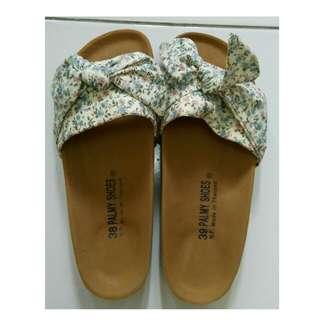 Sandal fashion pita