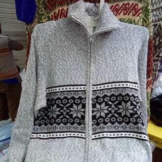 Sweater Tebal Halus Resleting
