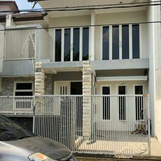 Rumah di surabaya timur uk 8×12 lantai 2 full