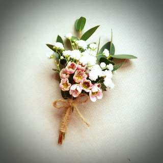 Wedding Flowers: Boutonnieres and Corsages