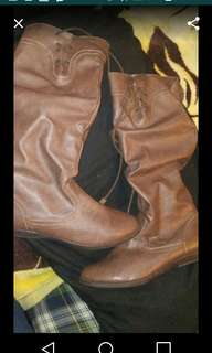 Women's brown boots size 7 1/2