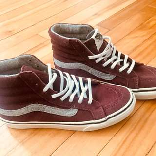 BNWT Vans Vintage Burgundy Shoes - Size 6