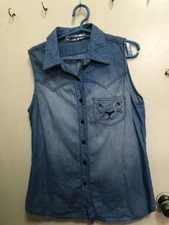 Denim sleeveless polo