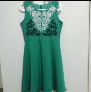Embroidery green dress