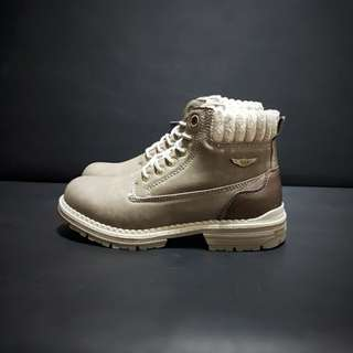 Winter Boots (water resistant)