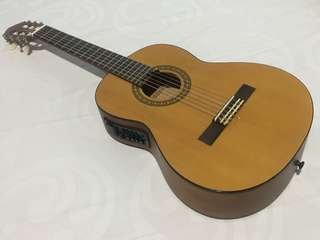New! Gitar Yamaha Size Medium
