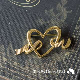Vintage gold tone heart and ribbon brooch, large statement brooch