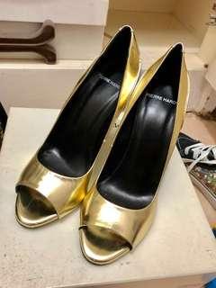 執屋平賣:Pierre Hardy heels